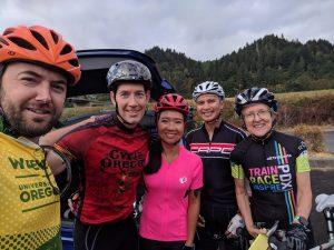 tri team cyclists